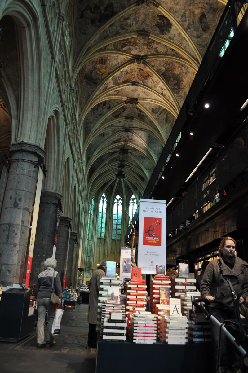 Coolest bookstore ever—The Selexyz Dominicanen in Maastricht, NL
